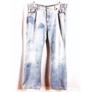 Levi's Woman's 515 Bootcut Bleached Blue Jeans 16M